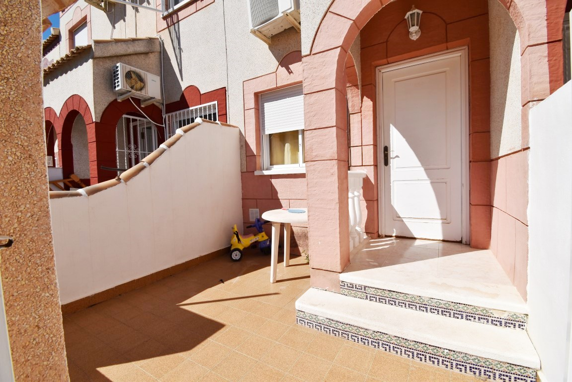 2 bed Townhouse in Playa Flamenca image 10