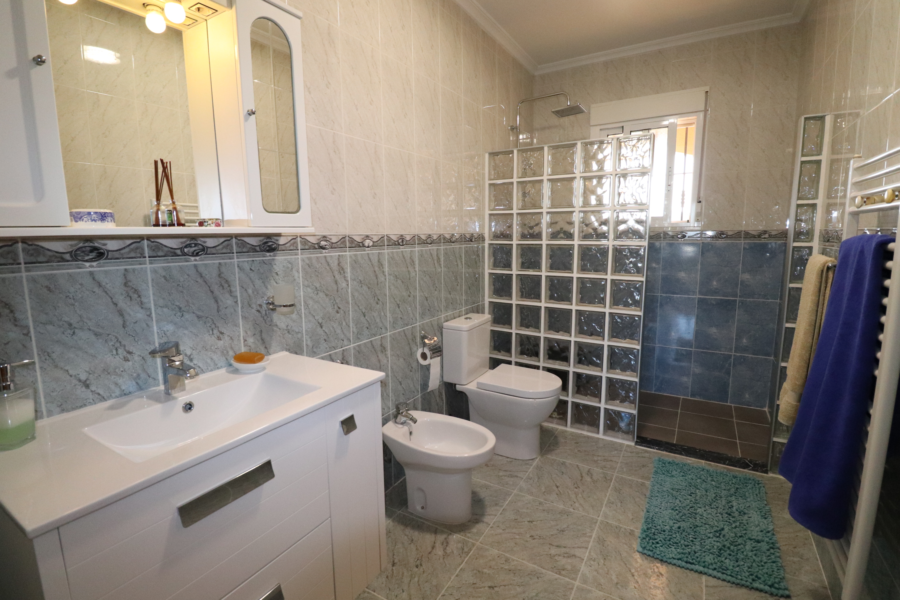 3 bed Country Property in Hondon de Los Frailes image 9
