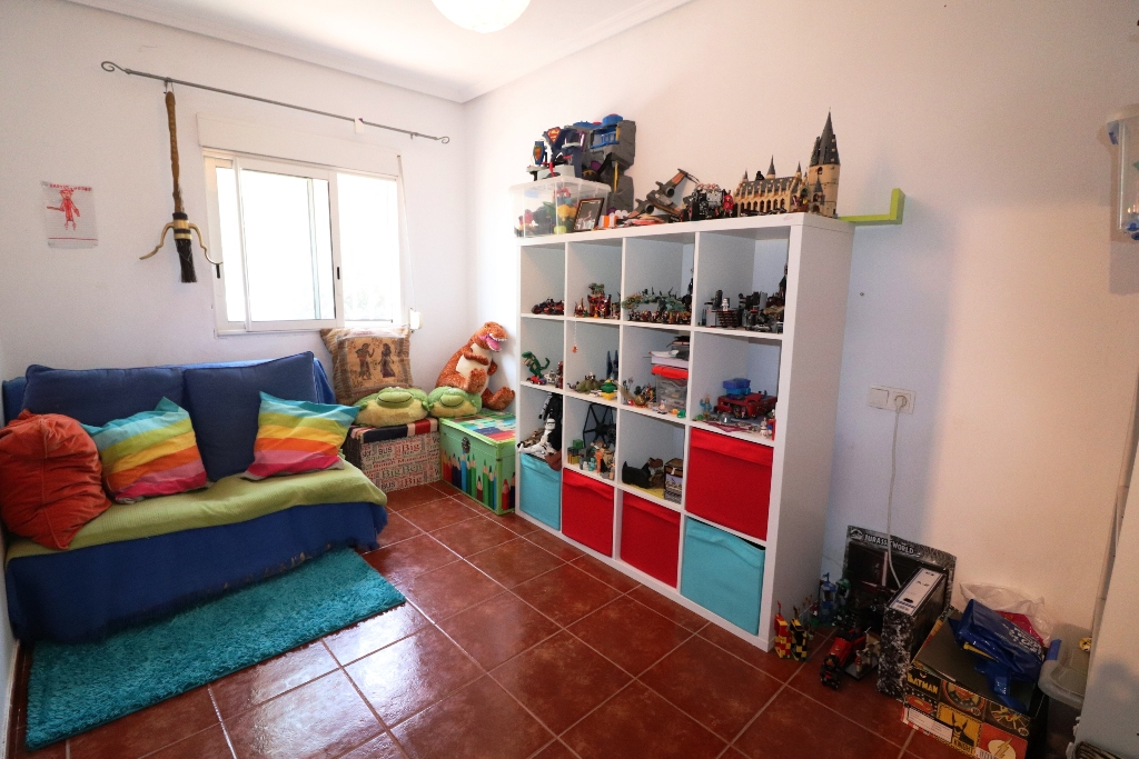 4 bed Country Property in San Fulgencio - Country image 11