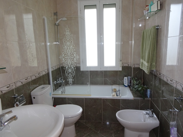 5 bed Country Property in Elda - Country image 12
