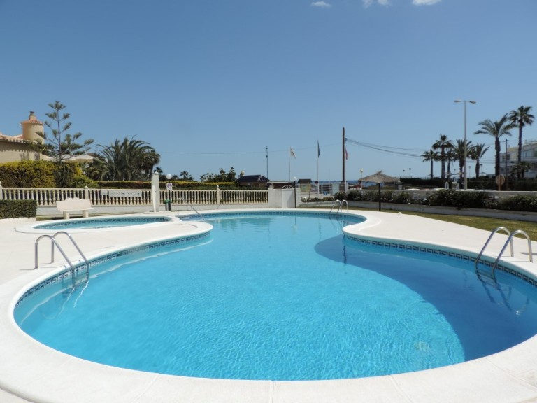 2 bed Apartment in Cabo Roig image 12