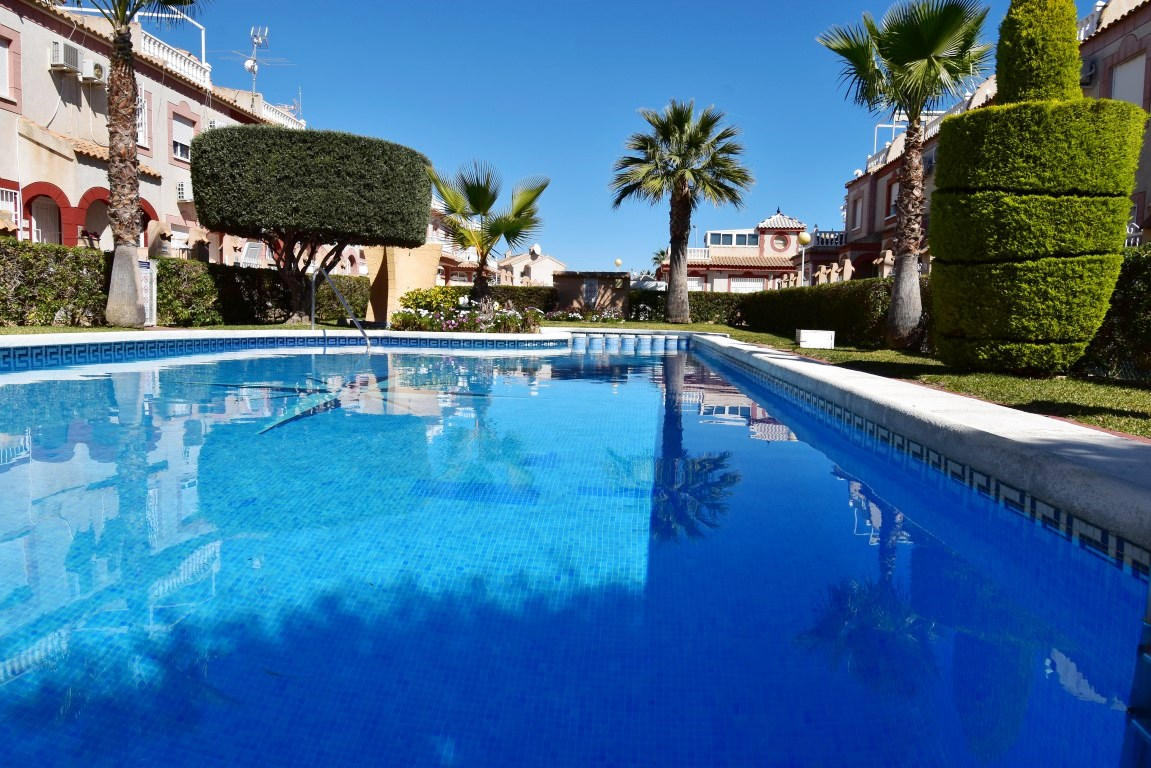 2 bed Townhouse in Playa Flamenca image 13
