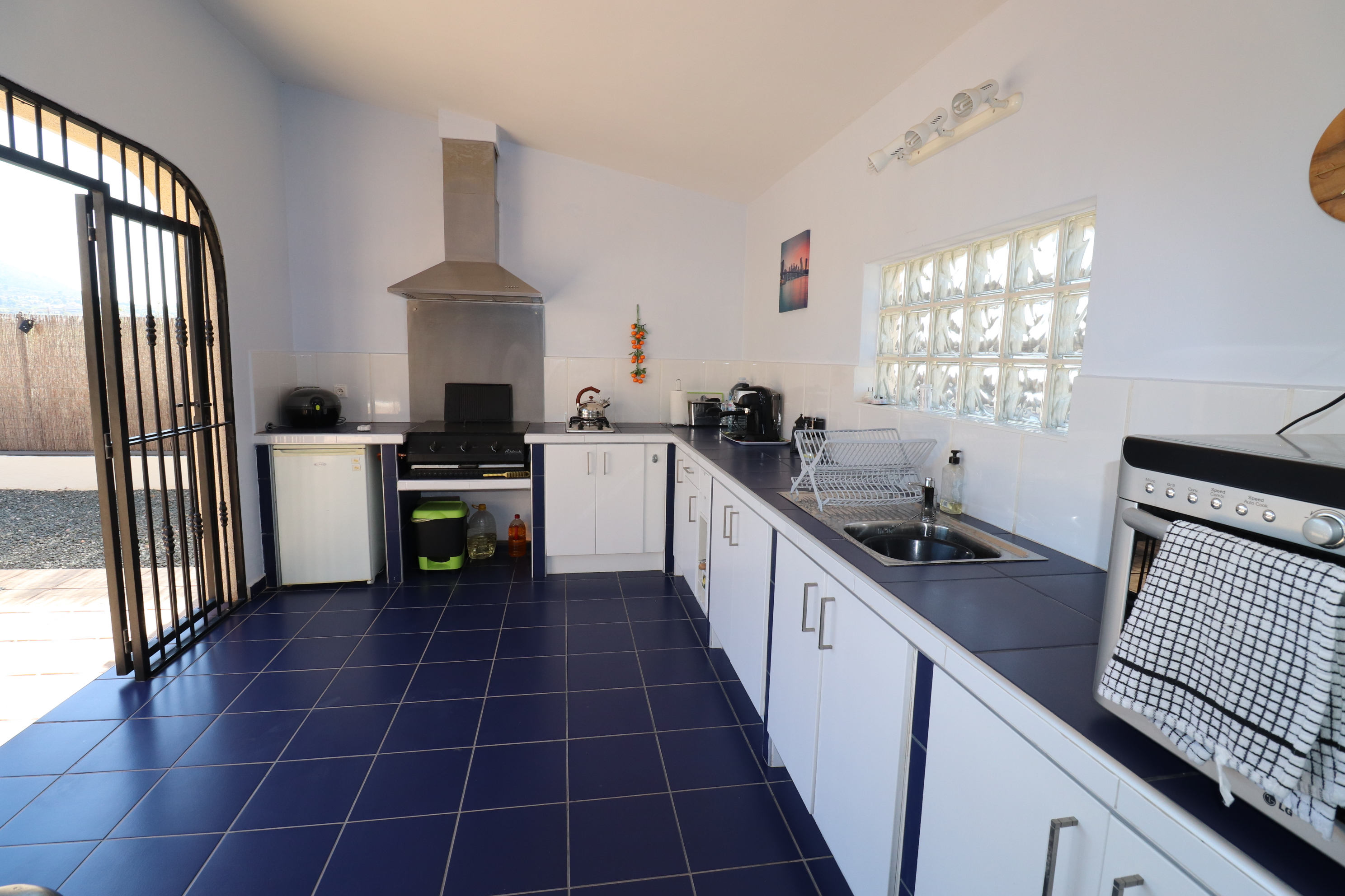 3 bed Country Property in Hondon de Los Frailes image 14
