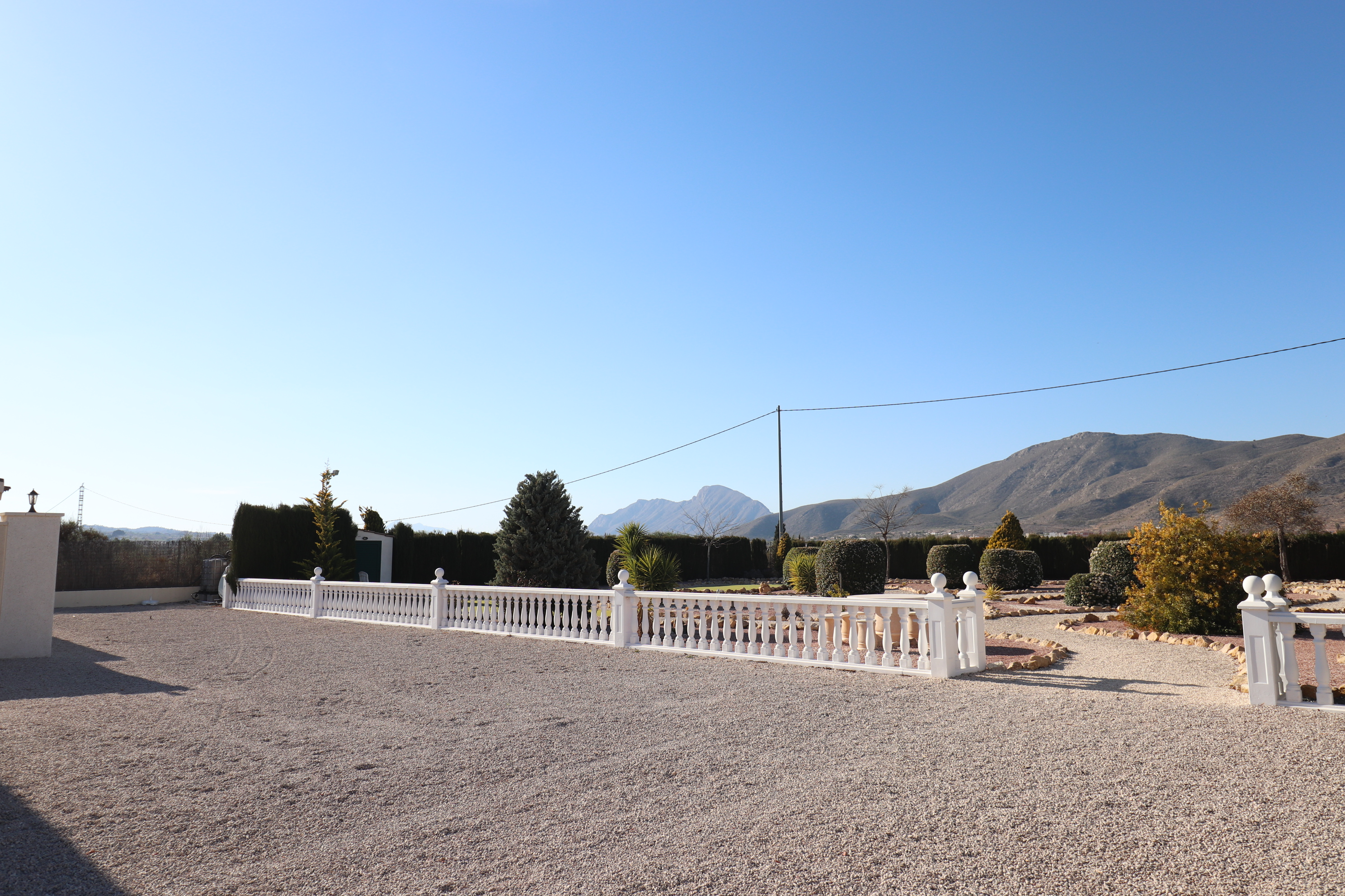 3 bed Country Property in Hondon de Los Frailes image 1