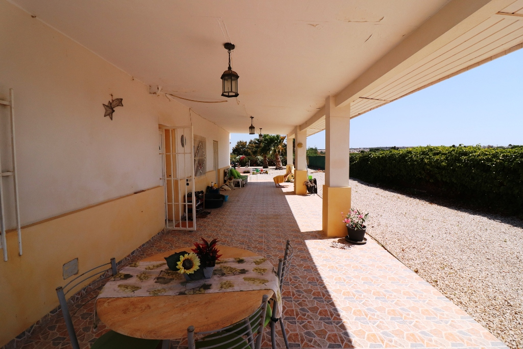 4 bed Country Property in San Fulgencio - Country image 4