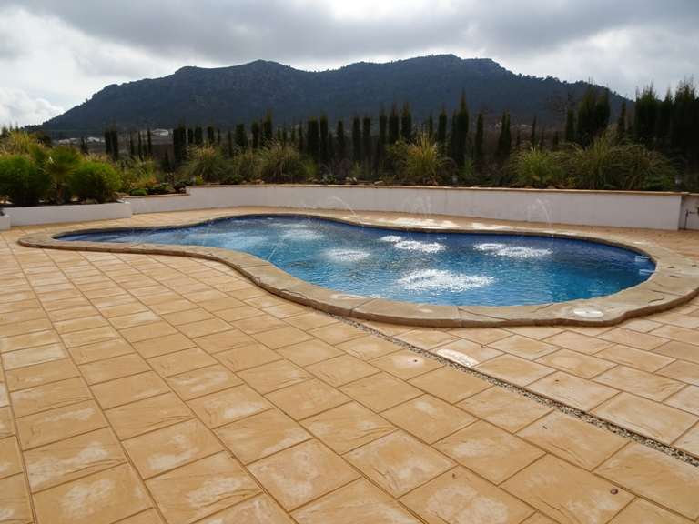 5 bed Country Property in Elda - Country image 2