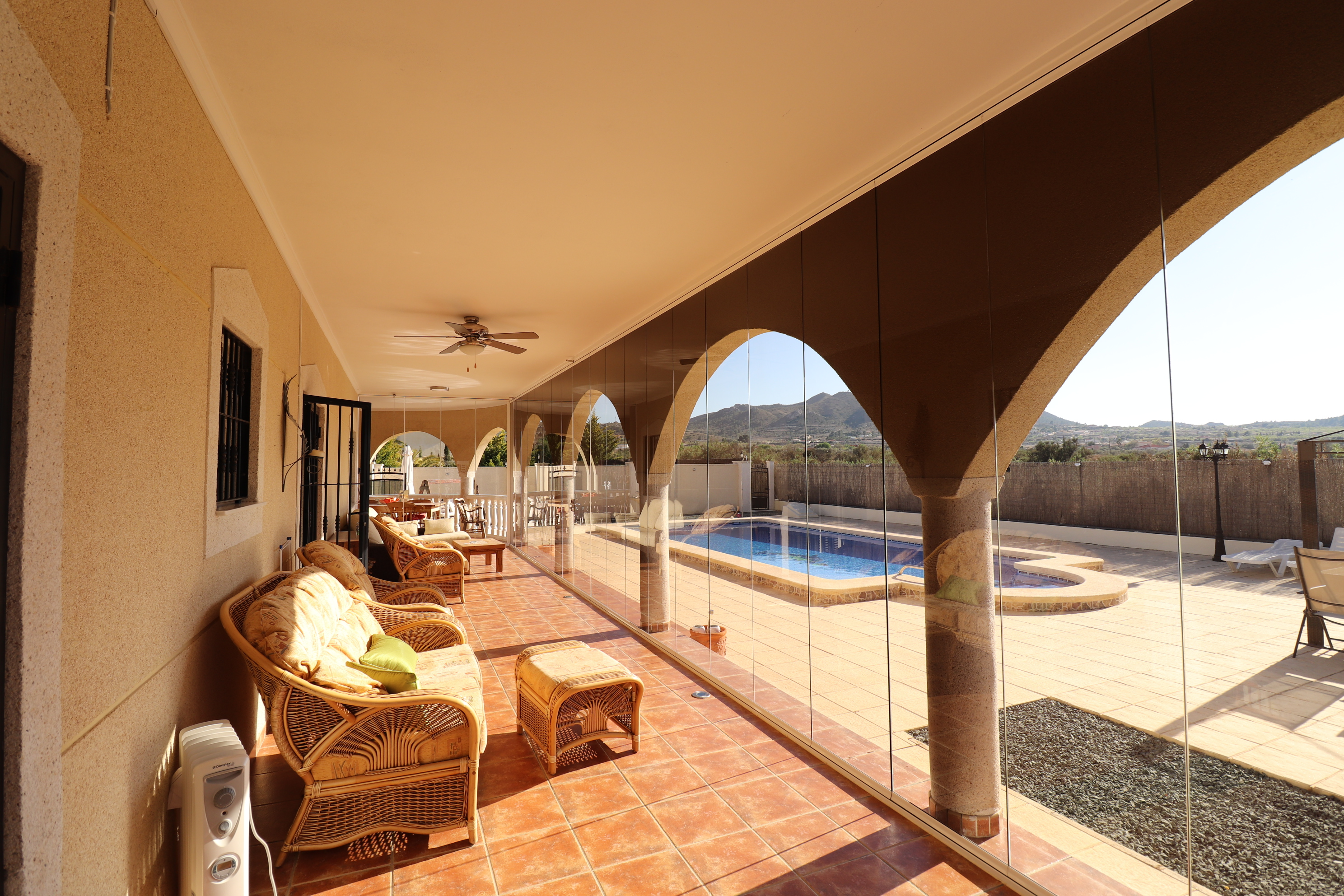 3 bed Country Property in Hondon de Los Frailes image 2