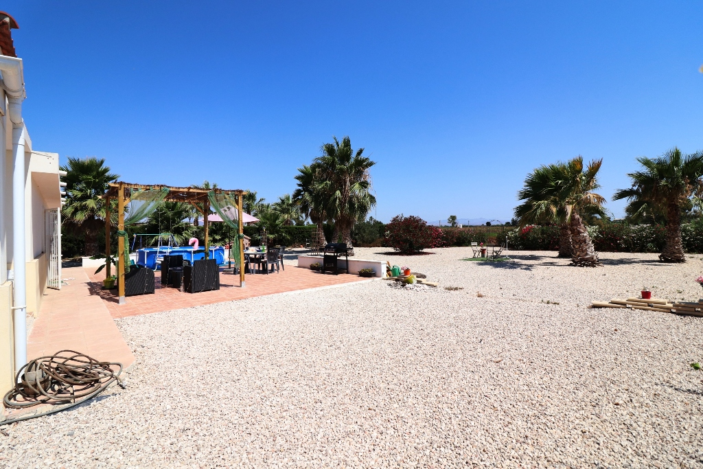 4 bed Country Property in San Fulgencio - Country image 1