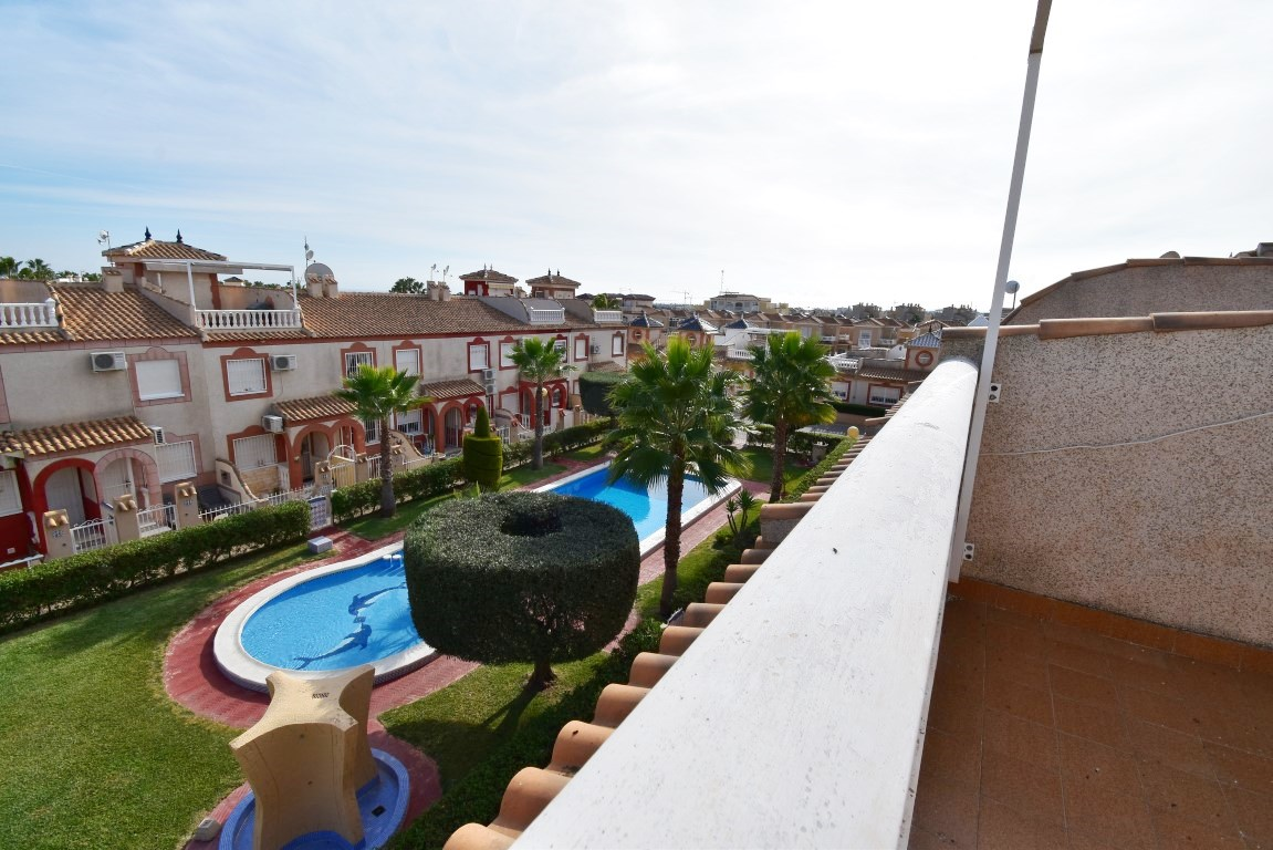 2 bed Townhouse in Playa Flamenca image 3