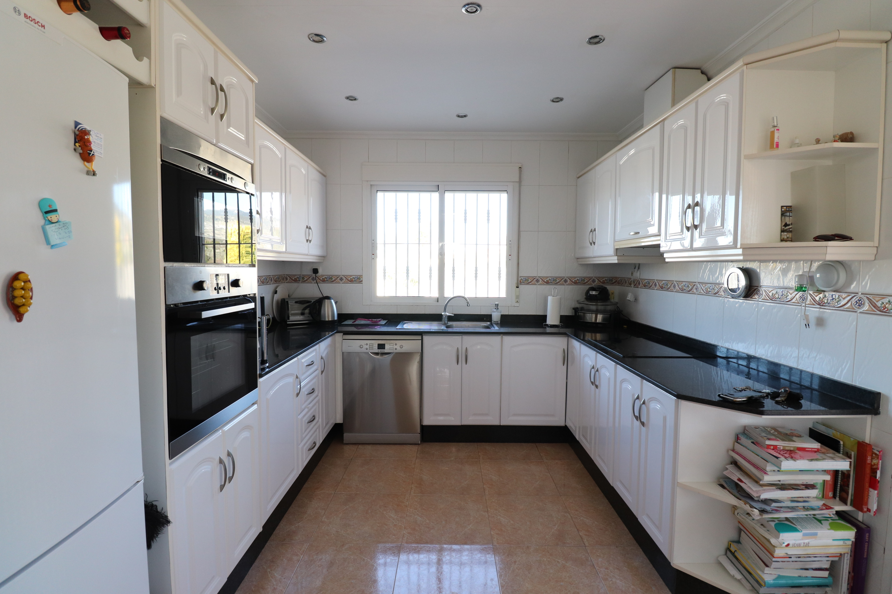 3 bed Country Property in Hondon de Los Frailes image 4