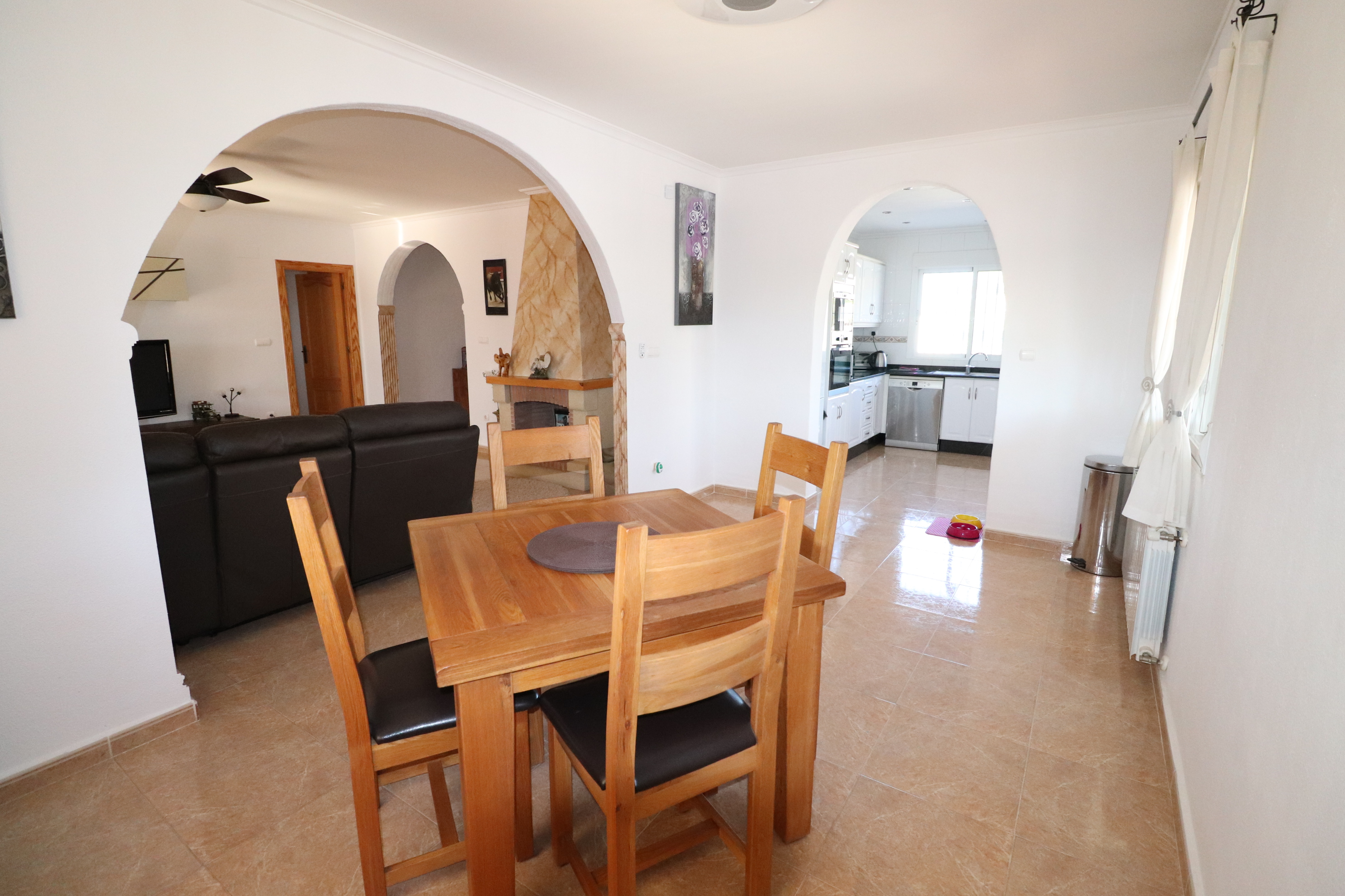 3 bed Country Property in Hondon de Los Frailes image 6
