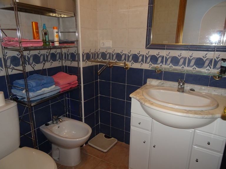 2 bed Apartment in Torrevieja - Centre image 6