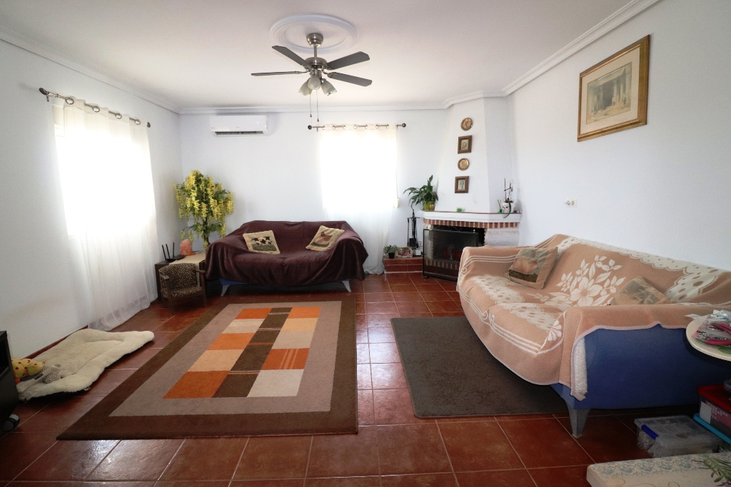 4 bed Country Property in San Fulgencio - Country image 9