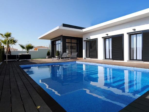 Buy New Build Property in La Finca Golf Resort, Alicante