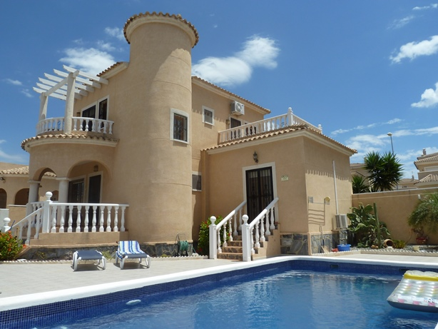 Buy Resale Townhouse in Villamartin, Costa Blanca