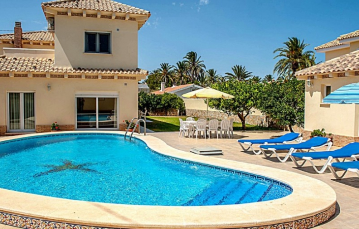 What is special about our properties for sale in Playa Flamenca?