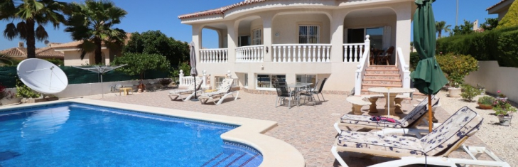 VINCENT offers you the property for sale in Benimar that you have always wanted