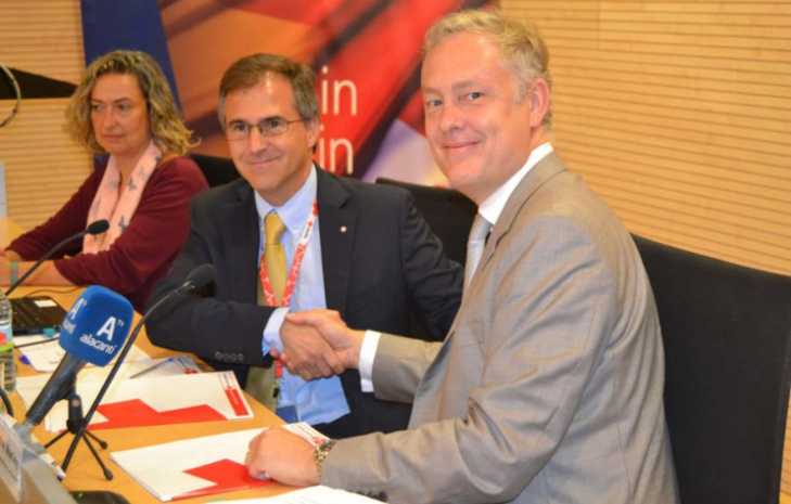 British Embassy and Red Cross join forces in Alicante